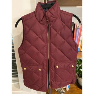 Jcrew Excursion Quilted Vest in Burgundy